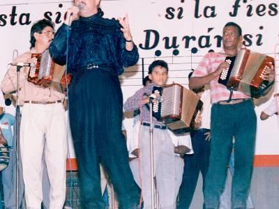La noche en que Rafael Orozco cantó el Himno Nacional en el Festival Vallenato